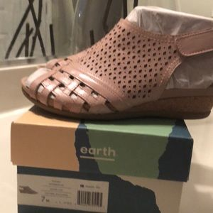 Earth Dusty Pink shoes